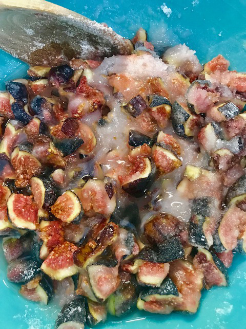 Figs with Sugar for Jam